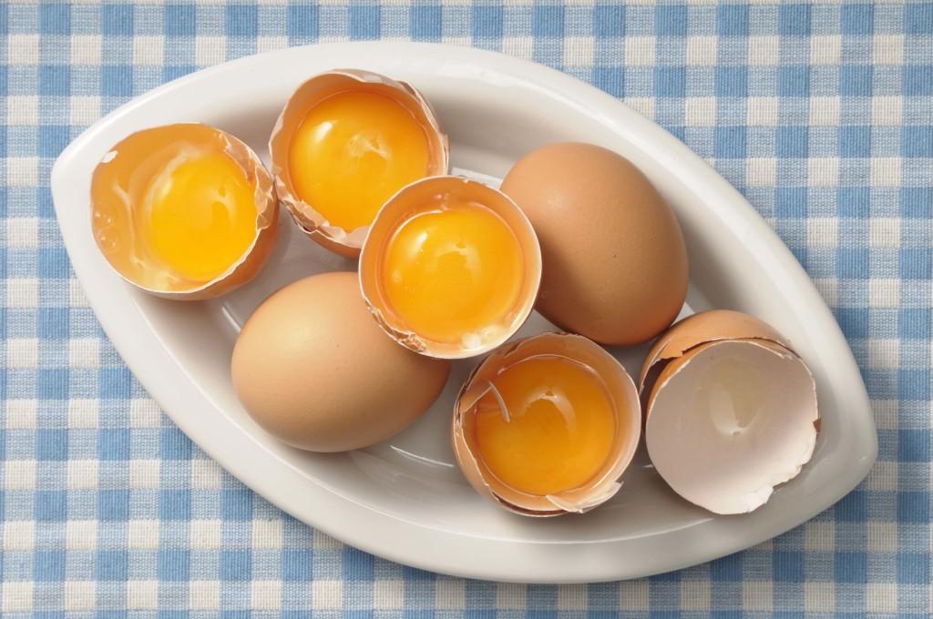 Как сделать яичный шампунь своими руками?