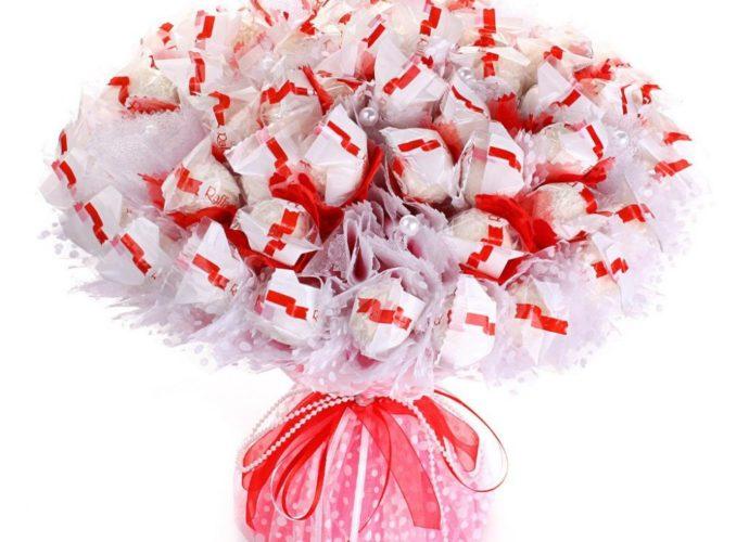 Как сделать букет из конфет?