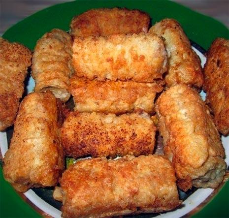 Вафельные трубочки с мясом в кляре