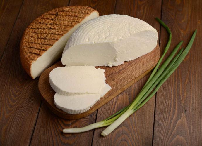 Адыгейский сыр – полезен или вреден?